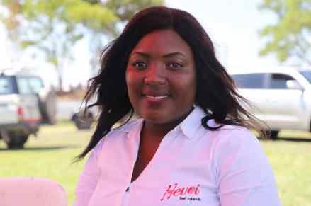 Roseline Mutare radio presenter for Hevoi FM