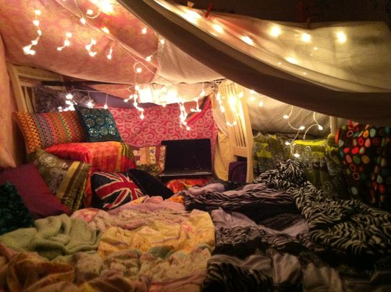 a blanket fort without chairs