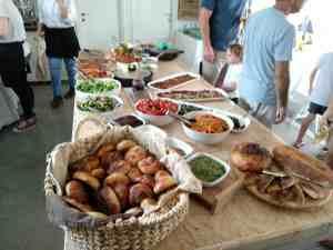 קייטרינג לאירועים וקבוצות בגולן בהזמנה מראש של אוכל בייתי מוכן.