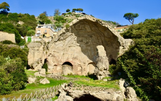 Ruin Days - Archeological sites around of Naples