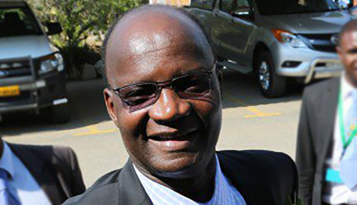 Jonathan Moyo gives scholarship to a Guruve pupil