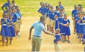 War vet runs amok, beats 116 schoolchildren