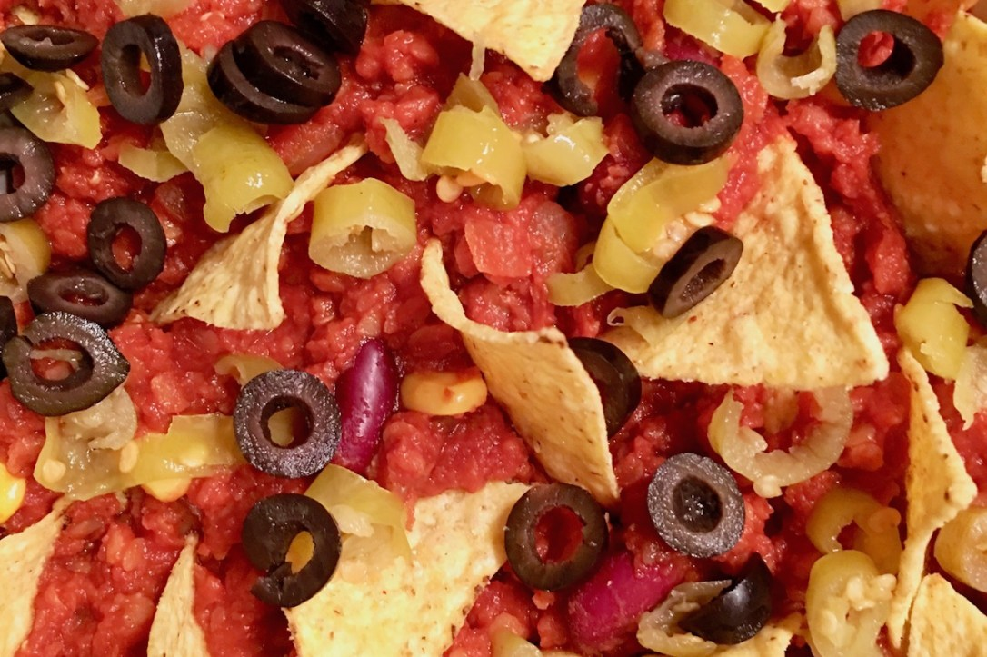Nachos mit Linsen - Nachos - Linsen - vegan - überbacken - vegane Käsesauce - Rezept - selber machen