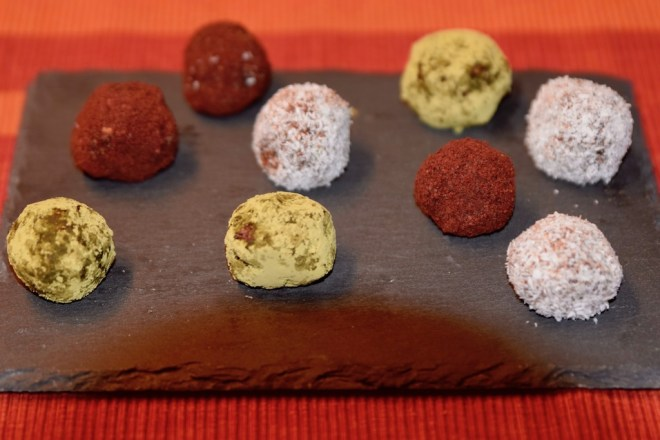 Rezepte: Süsses: Glücksbällchen - Bliss Balls