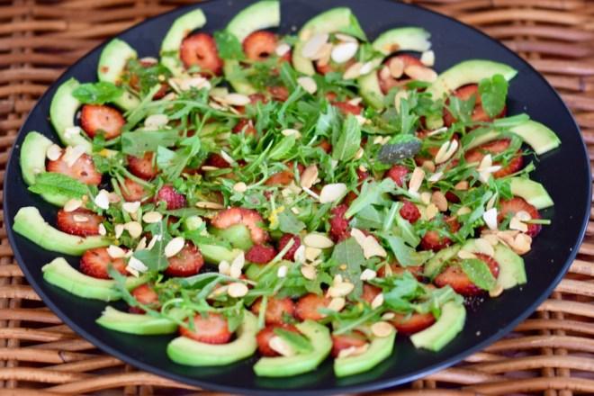 Rezepte: Salate & Dressings: Avocado-Erdbeer-Carpaccio