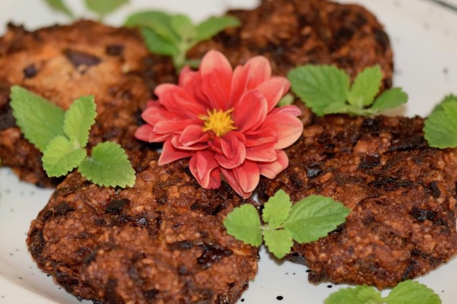 Rezepte: Hauptgerichte: Knusprige Burger-Bratlinge