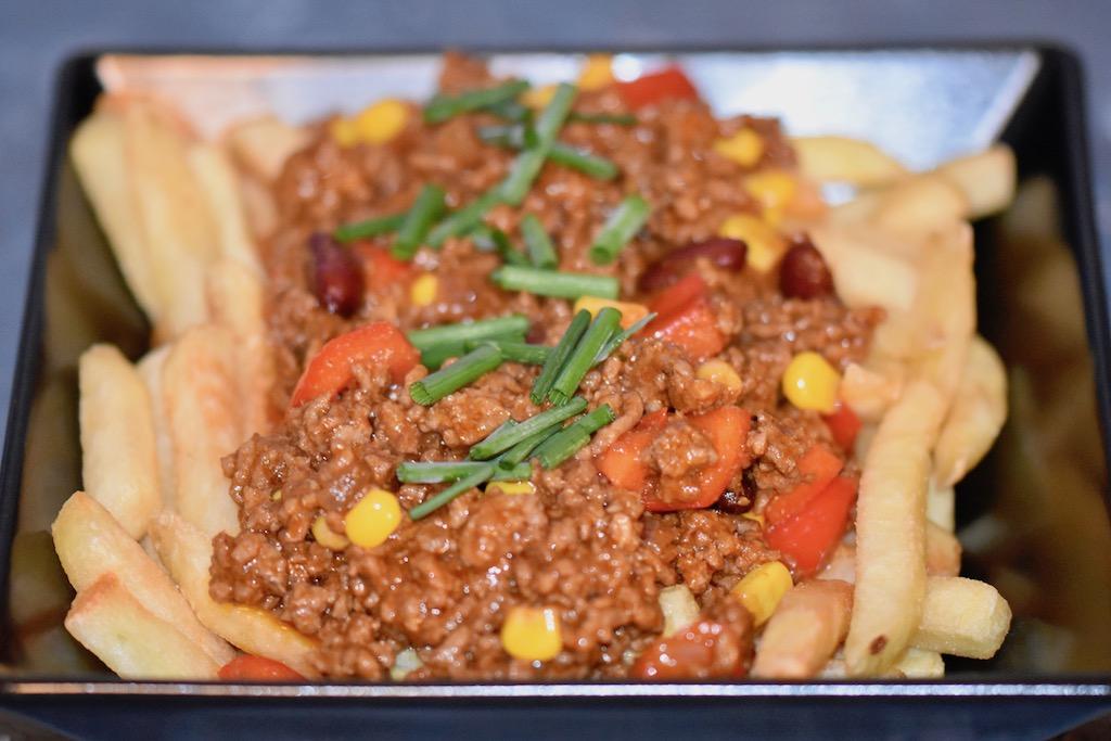 Poutine - kanadisch - Kanada - Rezept - mexikanisch - Sauce - Streetfood - Pommes frites - Québec - Fast Food