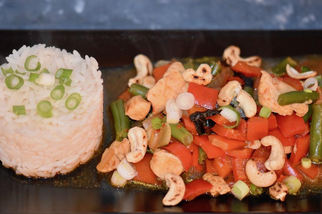 thailändische Gemüse-Pfanne mit Huhn - thailändisch - Thai - Thai-Pfanne - Gemüse - Rezept - Huhn - Stir-Fry - einfach - schnell - Low Carb - original - typisches Thai-Gericht