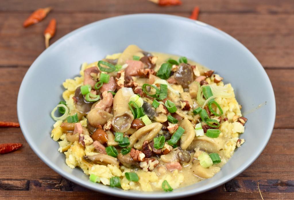 Spätzle in Pilzsauce - Rezept - glutenfrei - laktosefrei - Pilsauce - vegane Pilzsauce - Pasta - Champignons - Nudeln - Spätzle - Gericht