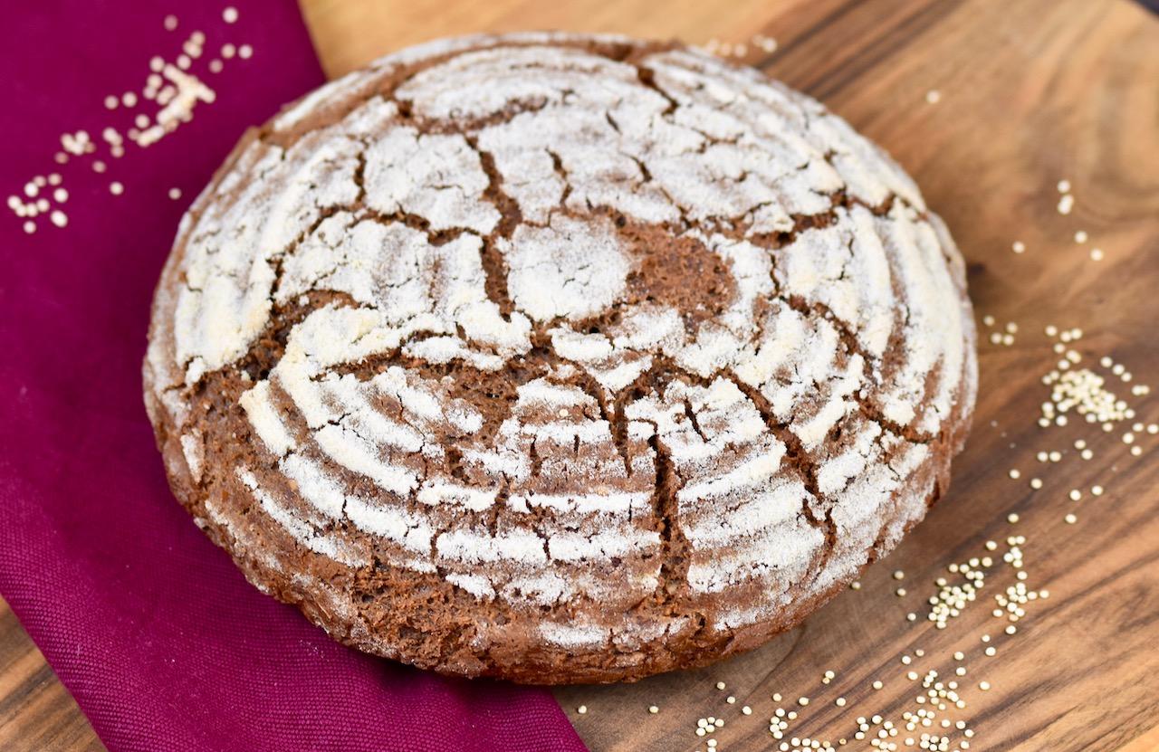 Glutenfreies Krustenbrot backen - Rezept mit Sauerteig - Zimt & Chili