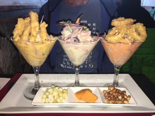 Foto für die 25 leckersten Gerichte: 3 Cocktailgläser gefüllt mit unterschiedlichen Ceviche im Piscomar in Antofagasta - Chile