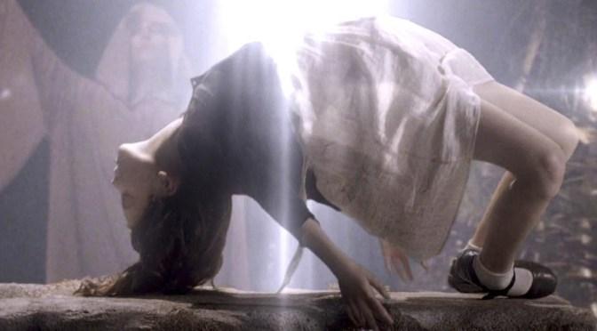 """""""June"""" (2015), el exorcismo de Casper van Dien"""
