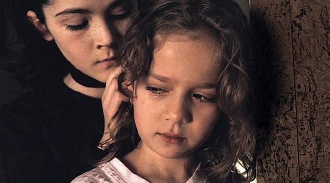 La huérfana (2009), esta chica es una diablilla