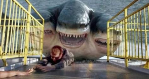 El ataque del tiburón de tres cabezas 03