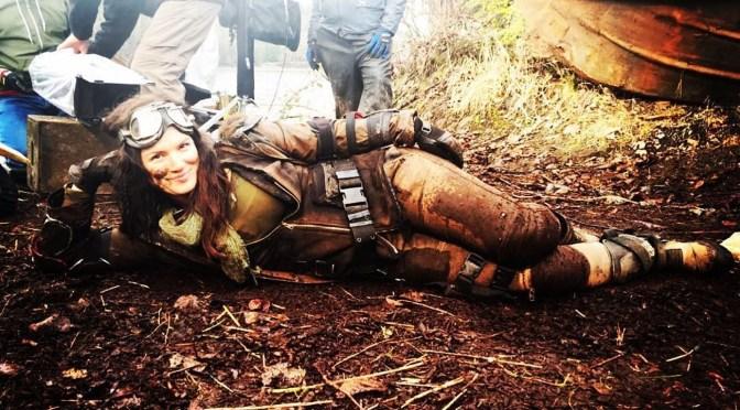 Tierra quemada (2017), Gina Carano en el fin del mundo