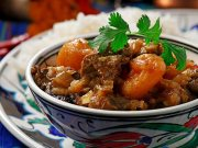 Spiced mutton stew with apricots