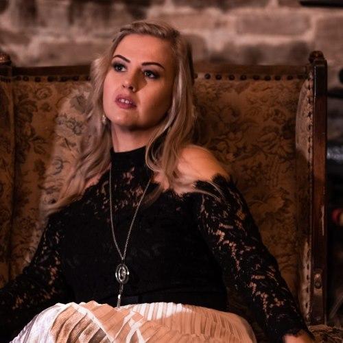 Zingaro Naomi Adah - Vocals