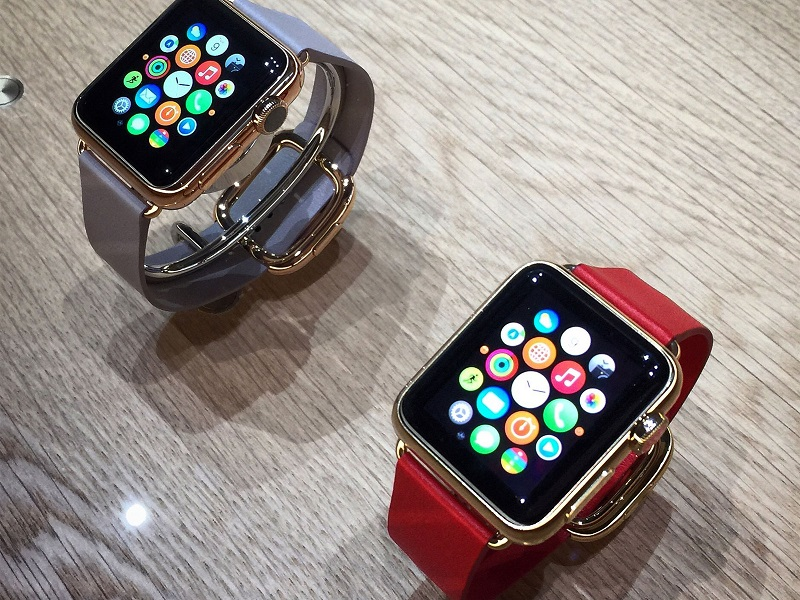 apple-watch-gold-gray-red-bands-hero