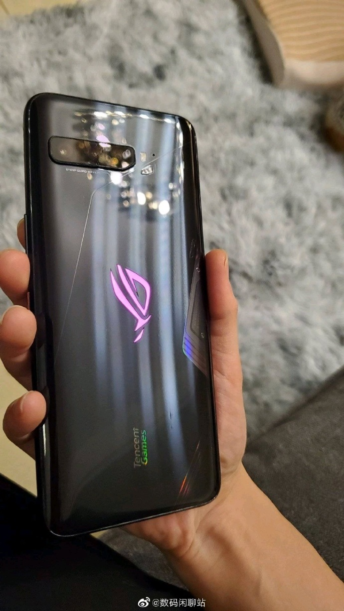 Waiting For The ASUS ROG Phone 3? Here's How It Looks Like 17