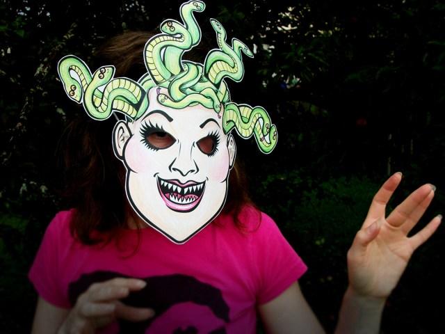 Zinggia-medusa-halloween-paper-mask-4