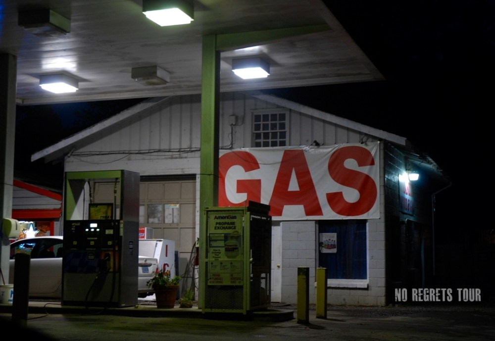 gas station night jacksonville-oregon