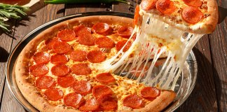 """Out of the Pizza Pan Back into the Oven: Pizza Hut Changes """"Original Pan Pizza"""" Ingredients"""