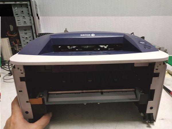 Передняя часть принтера Xerox 3140 - фото №2