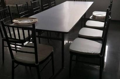 Zitas padded Rectangular Table