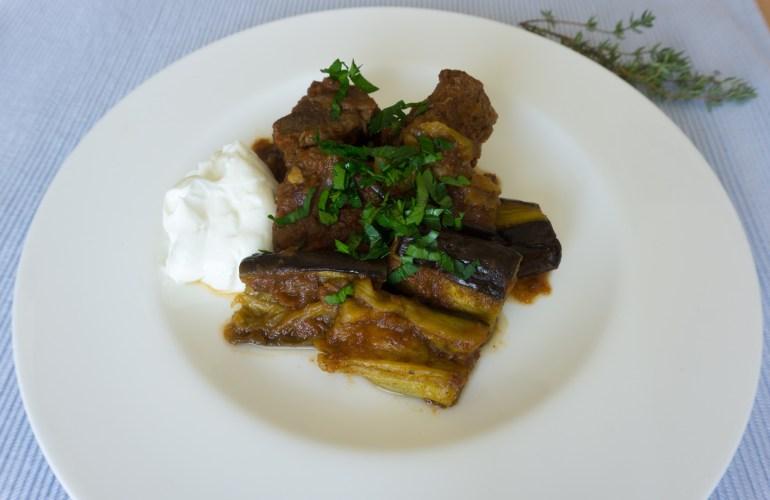 Fleisch mit Auberginen aus Griechenland, Kreas me melitzanes