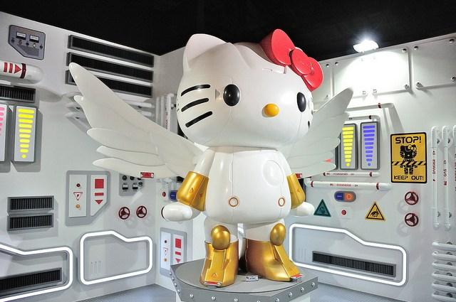 「ROBOT KITTY未來樂園-機械KITTY微笑科技互動展」裡有翅膀的Robot Kitty