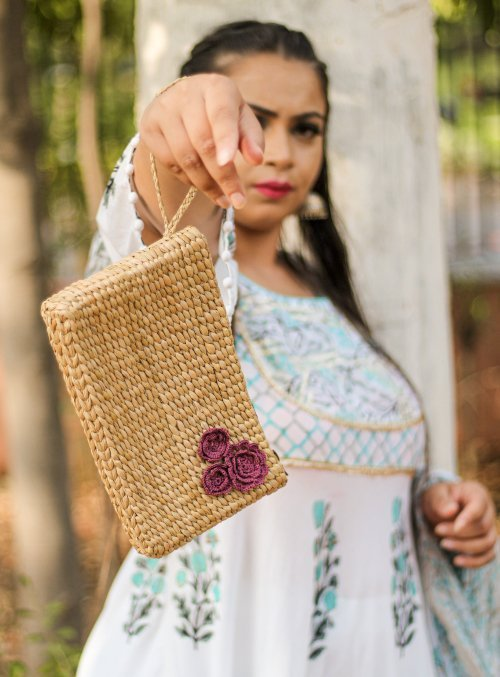 weaved pouch bag