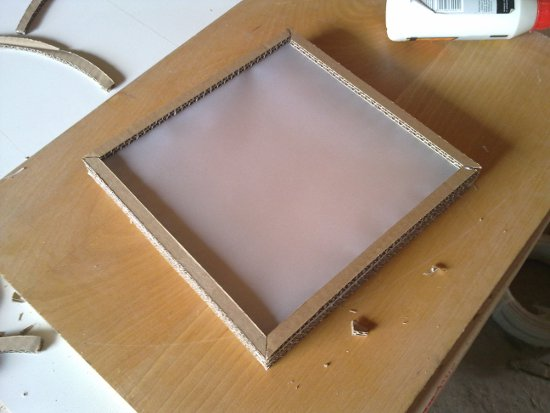 dol-szescianu-4 - lampa z kartonu
