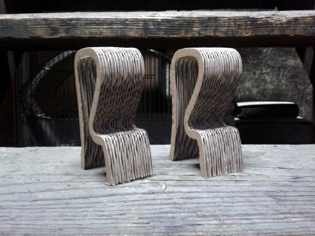 Krzeslo barowe z kartonu - 1