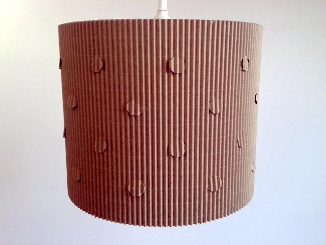 Lampa kropra z kartonu - 1.jpg
