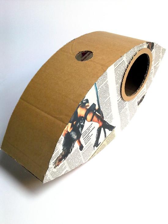 lampa-z-tektury-i-gazety-oko-4