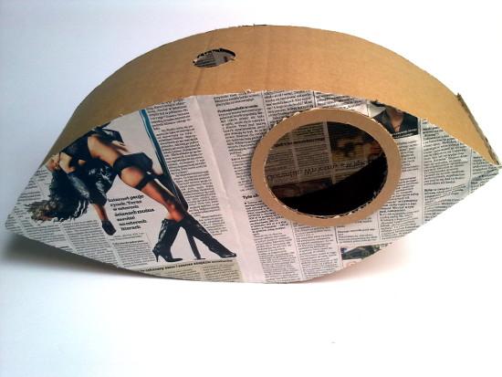 lampa-z-tektury-i-gazety-oko-5