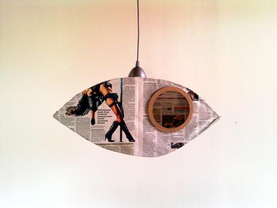 lampa-z-tektury-i-gazety-oko-6