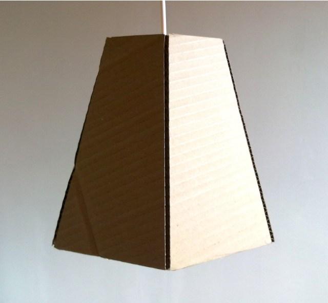lampa-z-tektury-jeden-cardboard-lamp-one-8