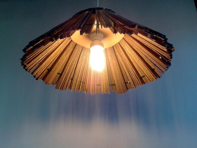 lampa strzecha z kartonu - 6