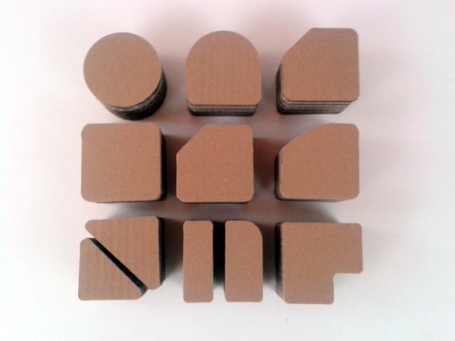 postumenty kartonowe pod produkty - 2