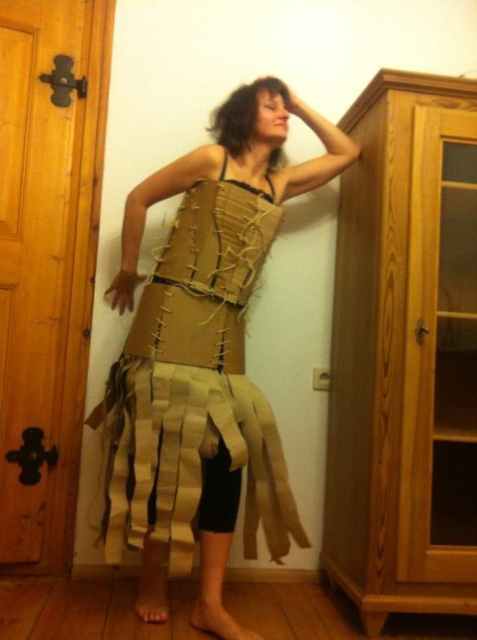 sukienka-z-tektury-9