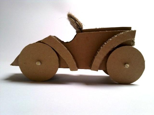 cardboard-car-4 - tekturowy samochód
