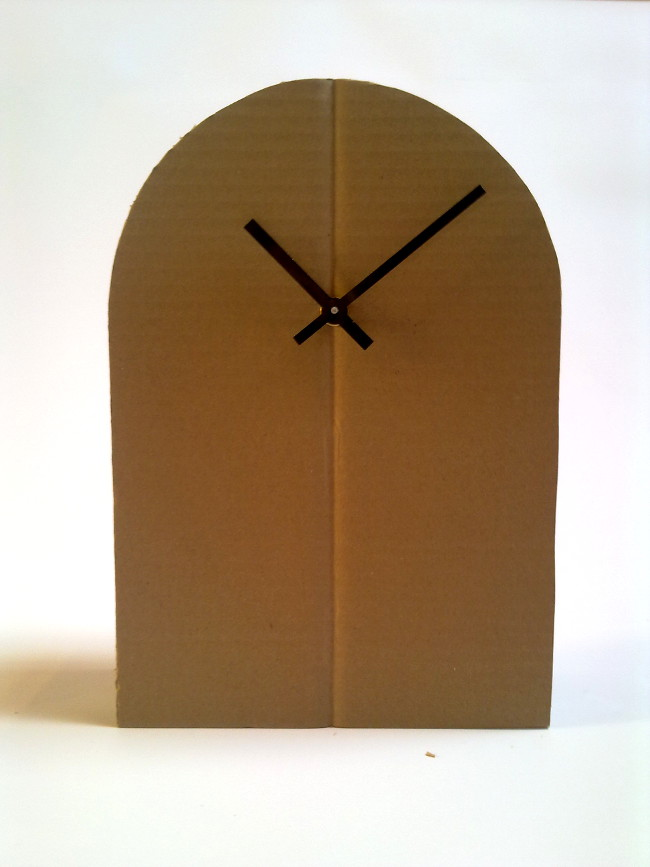 tekturowy-zegar-cardboard-clock-a-2