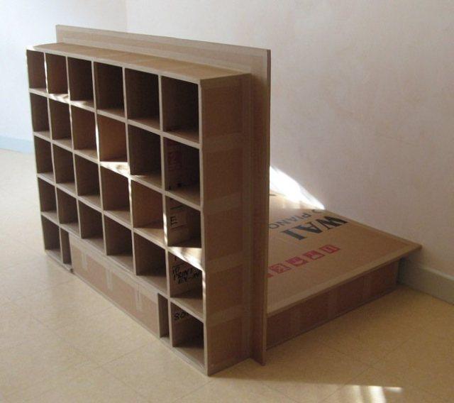 Łóżko z kartonu