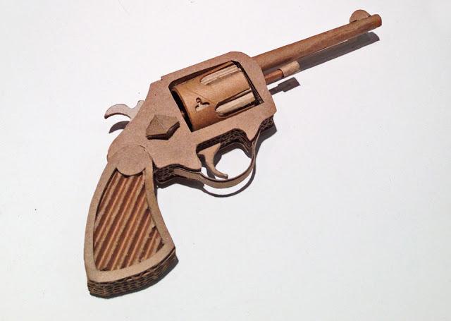 Pistolety z tektury
