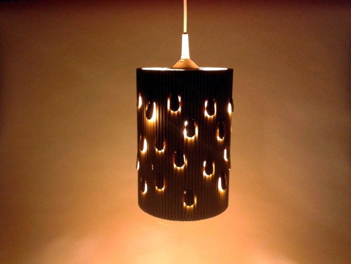 lampa-desczowa-z-kartonu-1