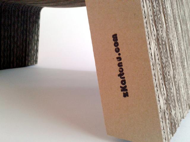 Drapak z kartonu - 2