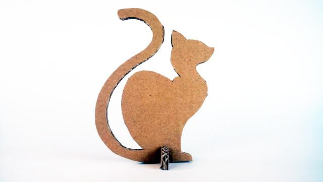 kot-z-karotnu-cardboard-cat-4