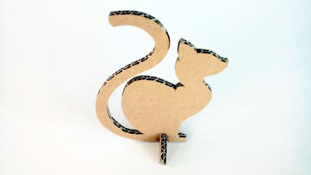 kot-z-karotnu-cardboard-cat-5