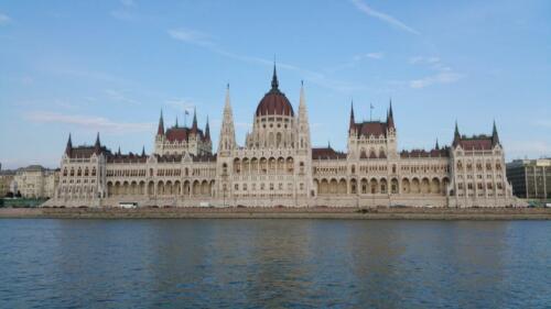 parlament 3